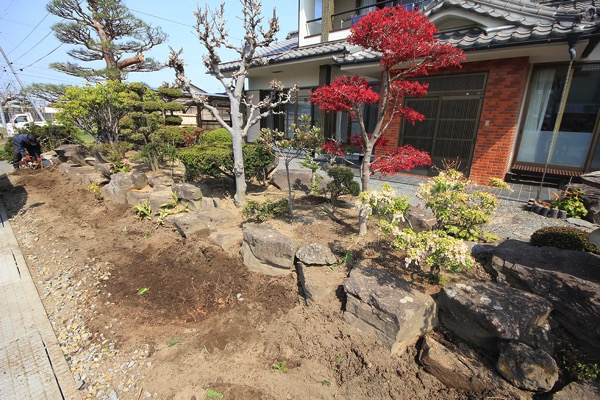 抜根後のお庭