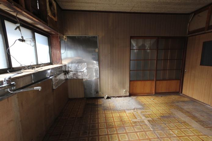 空っぽのキッチン